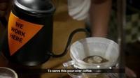 So sánh cốc cafe 20 nghìn và 20 triệu đồng