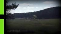 Xe bọc thép Mỹ rơi tự do trong tập trận