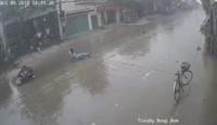 Đừng điều khiển xe quá nhanh khi trời mưa, đường trơn