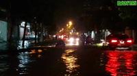 """Thành phố Vinh """"thất thủ"""" trong mưa lớn"""