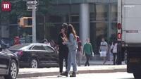 Leonardo DiCaprio và Camila Morrone cùng nhau xuống phố