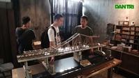 Chiêm ngưỡng mô hình cầu Long Biên giống y bản gốc được làm trong 500 giờ