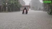 Cảnh ngập lụt chưa từng có với người dân khối Trung Nghĩa