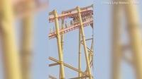 Hành khách lộn ngược đầu, treo lơ lửng ở độ cao 60 m vì sự cố mất điện