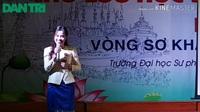 """Phần hùng biện lưu loát về """"Việt Nam đất nước tôi yêu"""" của lưu học sinh Lào học ở trường ĐH Kinh tế Nghệ An"""