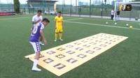 Văn Quyết và Thế Vương đọ tài ở chương trình thử thách sân cỏ