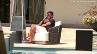 """Nhà sản xuất chương trình truyền hình người Anh Simon Cowell trong chương trình """"X Factor Celebrity"""" (Anh)"""