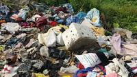 """Thành phố Ninh Bình tràn ngập rác thải, đang bị """"biến"""" thành bãi chứa chất thải khổng lồ"""