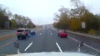 Một tình huống xử lý khó hiểu và cực kỳ nguy hiểm trên đường cao tốc