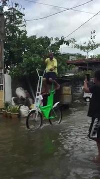 Giải pháp siêu hiệu quả để di chuyển trên đường ngập