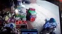 Người phụ nữ phản ứng cực nhanh để thoát bị thùng container đè bẹp trong gang tấc
