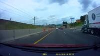 Một tình huống thót tim và bất ngờ trên đường cao tốc