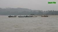 """Quảng Ngãi: Cát tặc """"rút ruột"""" sông Trà Khúc vào mùa mưa lũ"""