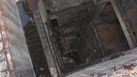 """Bên trong """"tòa tháp ma"""" bí ẩn bị bỏ hoang hàng chục năm"""