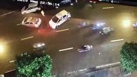 """Tên cướp gặp """"tai nạn nghề nghiệp"""", phải bỏ xe máy để chạy thoát thân"""
