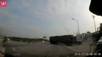 Tránh taxi sang đường ẩu, xe tải suýt gây tai nạn kinh hoàng