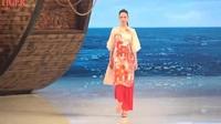 Bộ sưu tập của NTK Trung Quốc nhái y chang Áo dài quốc phục của Việt Nam