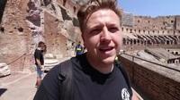 Ghé thăm đấu trường cổ Colosseum ở Rome, Italia