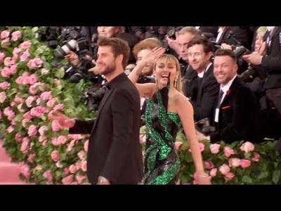 Miley Cyrus và Liam Hemsworth ngày còn hạnh phúc