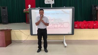 """Ông Dương Danh Sỉ, trợ lý Tổng Giám đốc Tâp đoàn Đỉnh Vàng cũng bày tỏ niềm hân hoan khi được đồng hành cùng chương trình """"Xuân Yêu Thương""""."""