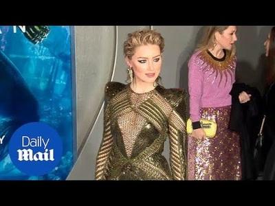 Amber Heard bốc lửa dự công chiếu phim