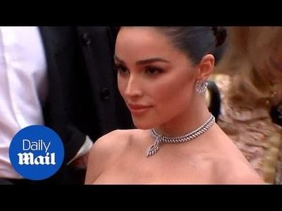 Olivia Culpo gợi cảm dự LHP Cannes