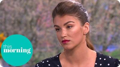 Amy Willerton trả lời phỏng vấn trên truyền hình