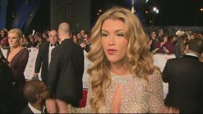 Amy Willerton xinh đẹp trên thảm đỏ