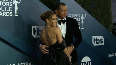 Jennifer Lopez đeo nữ trang kim cương dự sự kiện