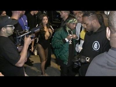 Thợ săn ảnh đeo bám Tyga và Demi Rose