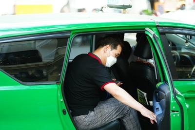 Tài xế taxi than thở vì ế khách những ngày dịch Covid-19 hoành hành