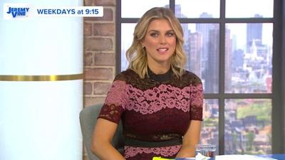 Ashley James xinh đẹp trên truyền hình