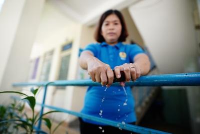 Thành viên của Nghiệp đoàn giúp việc nhà đang làm việc