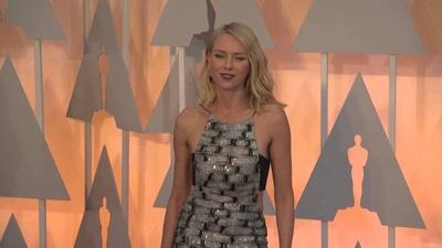 Naomi Watts dự lễ trao giải Oscars