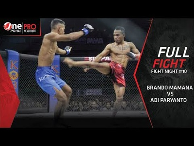 Đá xoay cực đẹp, võ sĩ MMA khiến đối thủ bất tỉnh