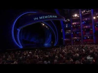 Billie Eilish trình diễn tại lễ trao giải Oscar