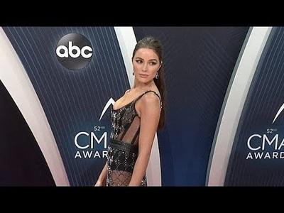 Olivia Culpo bốc lửa trên thảm đỏ