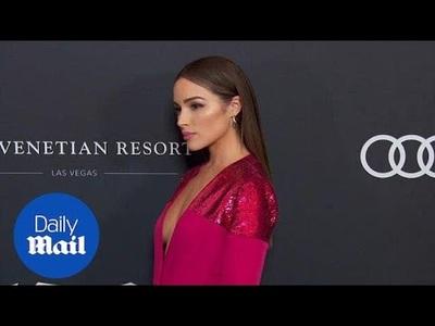 Olivia Culpo duyên dáng với váy hồng