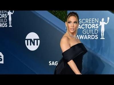 Jennifer Lopez, Charlize Theron đọ dáng
