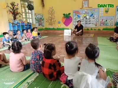Chuyện về những thầy giáo dạy mầm non