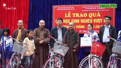 Những chiếc xe đạp trong mơ tới tay học sinh nghèo vượt khó vùng cao