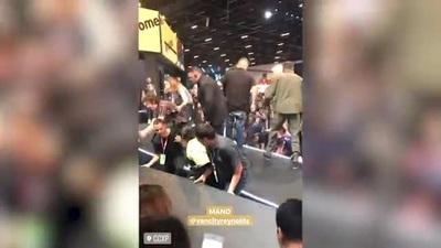 Tài tử Ryan Reynolds suýt bị thương tại sự kiện gặp gỡ fan