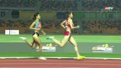 Màn nước rút ấn tượng của Đinh Thị Bích giành HCV chạy 800m