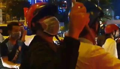 Người Sài Gòn nô nức xuống đường mừng chiến công của U22 Việt Nam