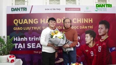 Quang Hải, Đức Chinh chia sẻ cảm xúc khi giao lưu cùng độc giả Dân trí