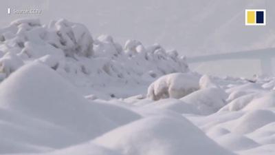 Khoảnh khắc ngoạn mục hơn 20 km sông Hoàng Hà đóng băng trắng xóa
