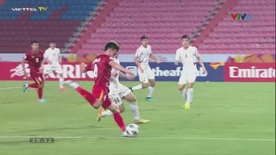 Bóng chạm tay cầu thủ U23 Triều Tiên trong vòng cấm địa ở phút 38