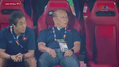 Tiến Linh đánh đầu cắt mặt khung thành U23 Triều Tiên ở phút 39