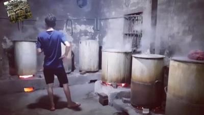 Nổi lửa nấu bánh chưng