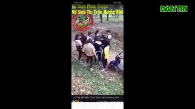 Hai nhóm nữ sinh cấp 3 đánh nhau như phim hành động